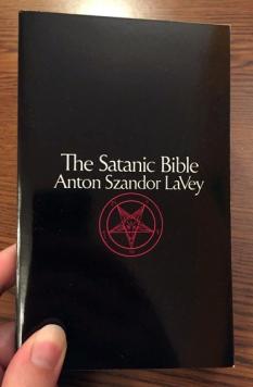 satanicbible_copy0_lg
